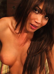The Hang Over 2 star Ts - Yasmin Lee