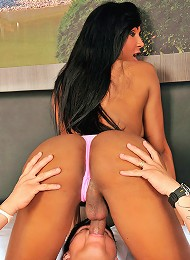 Big cock Ariadny Oliver in bareback action