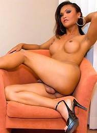 Dazzling shemale Ming strips off for some wanking